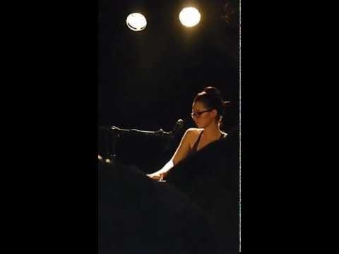 """Blood Brothers""-Ingrid Michaelson LIVE @ The Stiff Kitten, Belfast, Ireland"