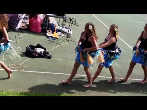 Norfolk island hula girls on show day