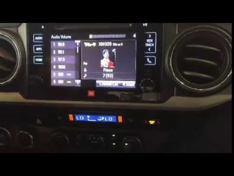 Using the Toyota Entune® GraceNote™ Music Feature