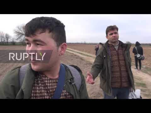 Turkey: Refugees seen walking towards border with Greece