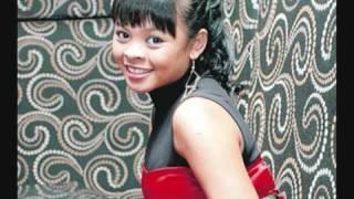 Siti Sarah feat Zahid - Menari Denganku