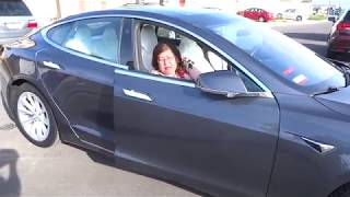 Grandma's hilarious reaction to Tesla's Summon feature