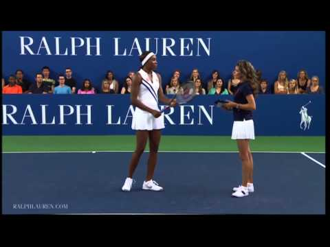 Venus Williams: Demonstrates The Perfect Grip