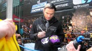 JEFF HARDY SIGNING AUTOGRAPHS IN SMACKDOWN BLOCK PARTY IN NEW YORK CITY ON OCTOBER 3, 2008 (MUST-WATCH HIGH QUALITY VIDEO)