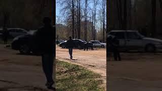 драка челнинца с полицейским попала на видео