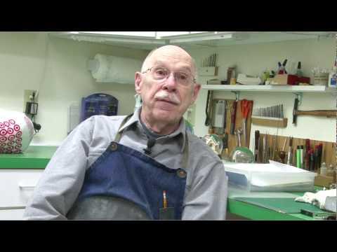 Snow globe repairman