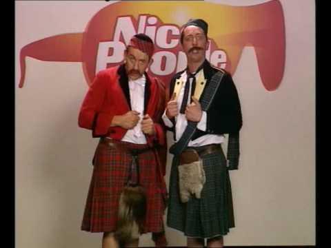 Gad Elmaleh & Dany Boon   Parodie des Castings de Nice People (L'Ecosse)