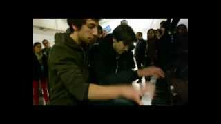 Piano a Paris, Gare de Montparnasse: Gabriel & Arthur