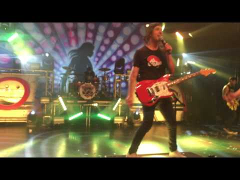 Pierce The Veil - Circles (Live 26/11/2016 Birmingham UK Tour)