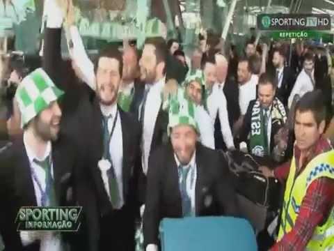 Hoquei Patins :: Recepção dos adeptos à equipa de Hóquei vencedora da Taça CERS - Sporting TV (27/4/2015)