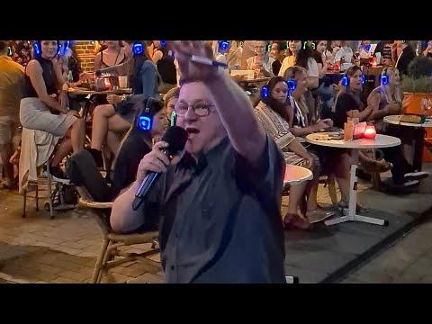 Valse bingo: Ed moet een liedje van Veul Gère zingen