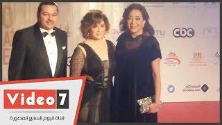 مهرجان القاهرة السينمائى يكتسى باللون الأسود حدادا على الراحل