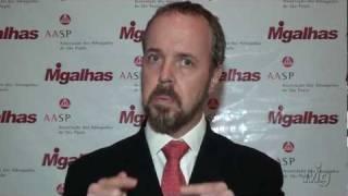 Entrevista: Arystóbulo de Oliveira Freitas