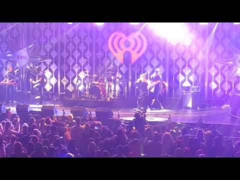 Julia Michaels - Issues  Z100 Jingle Ball MSG Live 12/8/17