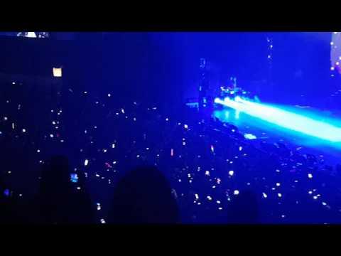 Jin SOLO Public singing AWAKE BTS The Wings tour in  Brazil Fancam