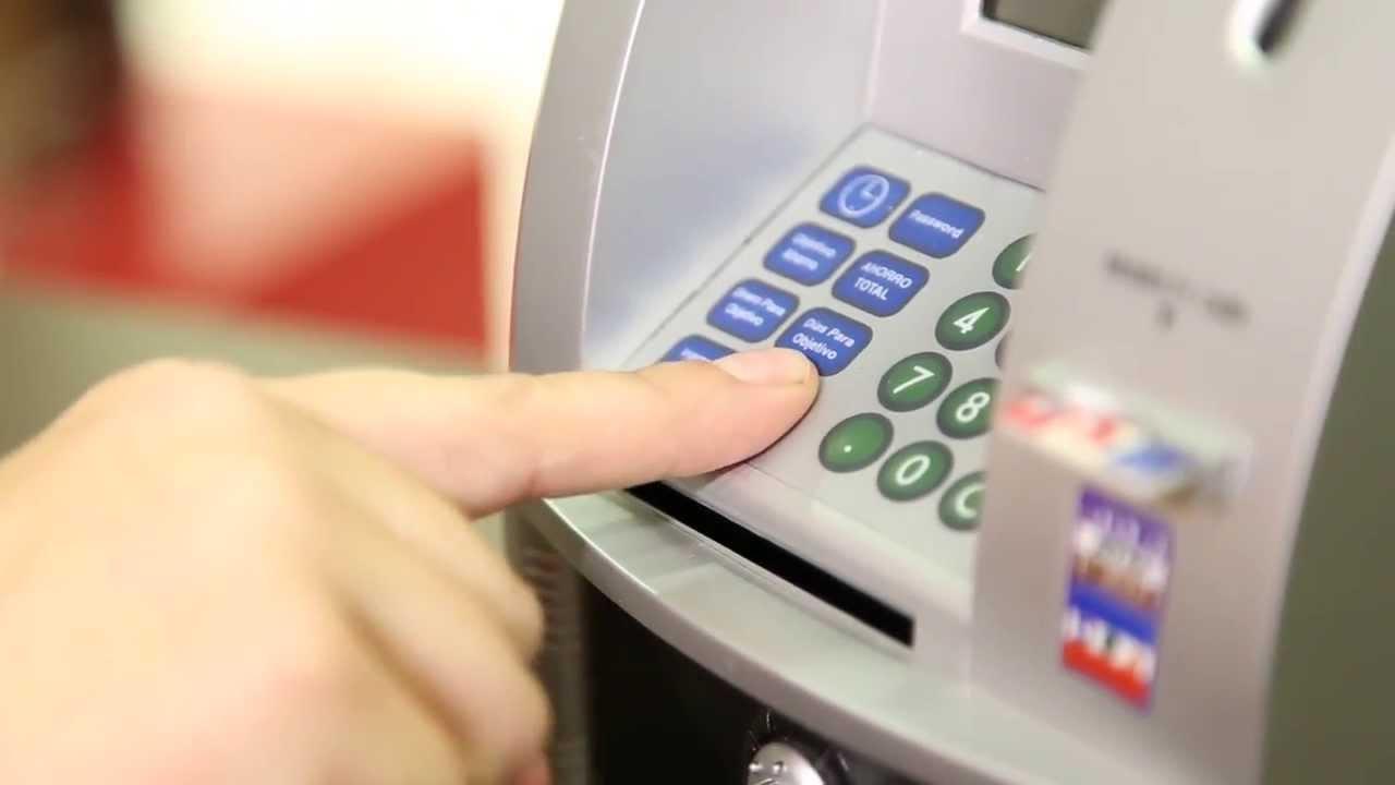 ¿Cómo clonan las tarjetas de crédito?