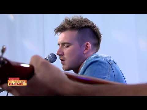 Morgan Wallen plays his hit song live in the studio