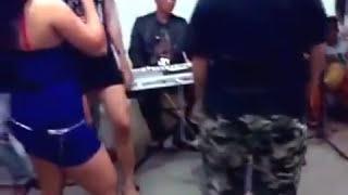 PENGEN GITUAN !! GOYANG HOT biduan SEXY