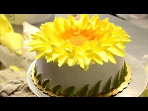 How to make a Yellow Sunflower Design cake - Bakery Secret