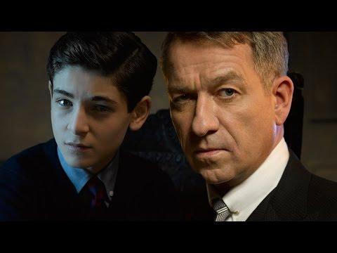 Gotham of David Mazouz and Sean Pertwee at Toronto Comicon