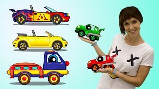 Coche de carreras con Maria y Helpy. Dibujos animados para niños.