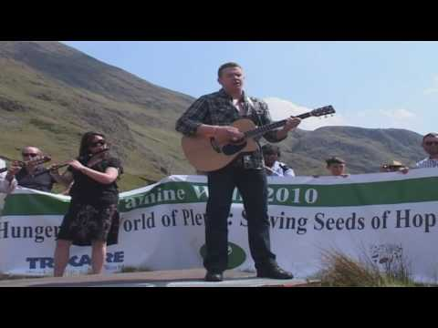 Damien Dempsey - Choctaw Nation - Live at Afri Famine Walk 2010