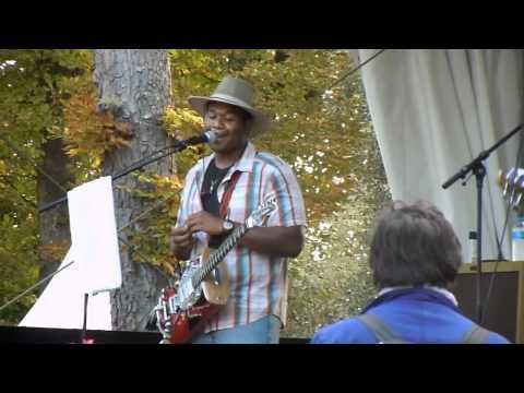 Homemade Jamz Blues Band - Got my mojo workin' - Live in Cognac 2011