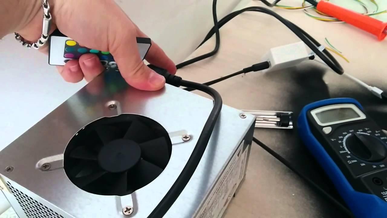 Test striscia led rgb su 12v alimentatore pc youtube for Striscia led rgb