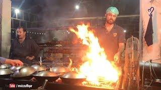 Bombay Koyla Karahi on highway | Street Food Of Karachi, Pakistan.