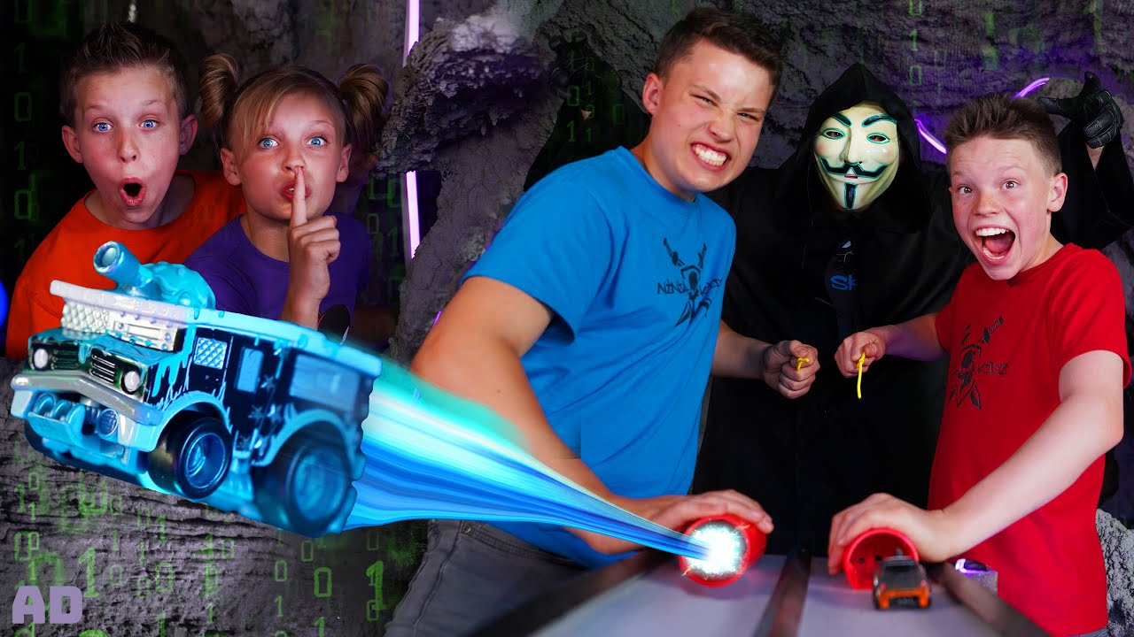 Underground Exploding Car Race VS Hacker!