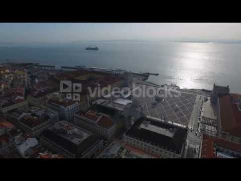 aerial view of commerce square praca do comercio in lisbon portugal v98z1hupg