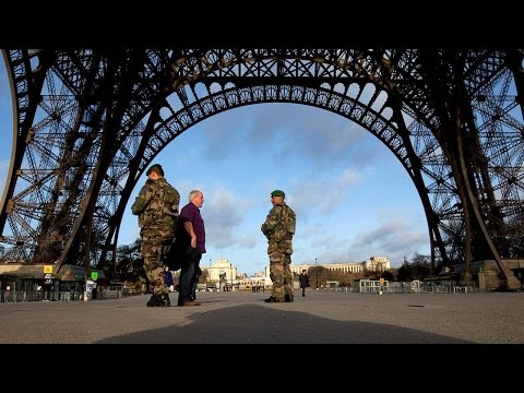 Paris Attacks Send Travel and Leisure Stocks Lower, Oil Rises