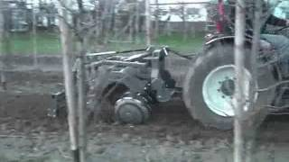 Merzbacher Kurzscheibenegge für den Weinbau  oder das Spielzeug des Teufels