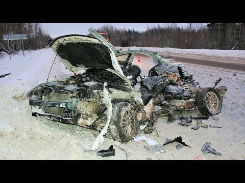 Под Нижневартовском в аварии погибли 3 человека