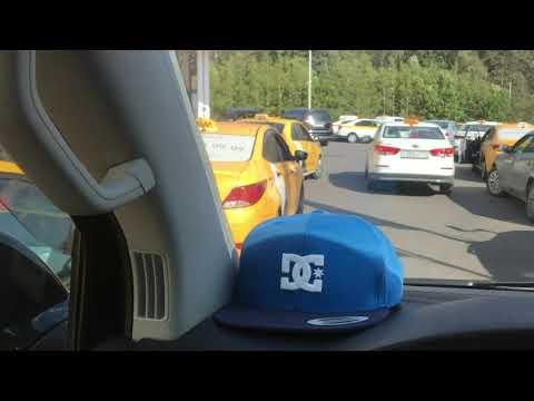 Таксисты заполонили АЗС Лукойл. Внуково