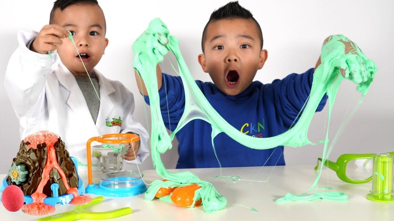 CRAZY Kids Experiment Alien Beaker Creatures Slime Lab CKN Toys