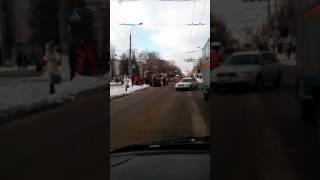 видео У Хмельницькому почали «латати» ями на дорогах
