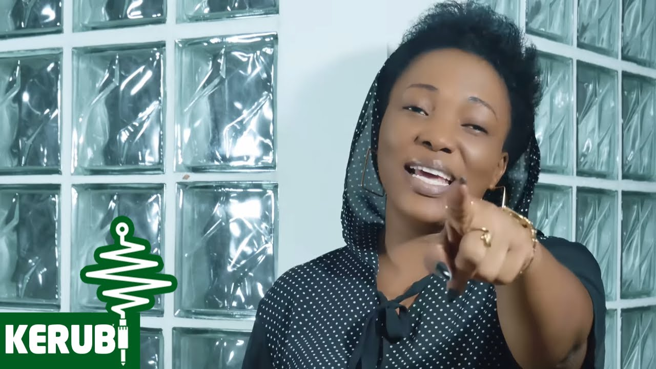 Download Martha Mwaipaja - Amenitengeneza (Official Music Video)