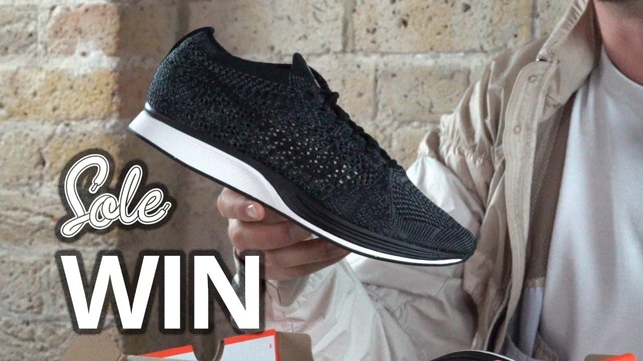 Obediente sexual Acuerdo  COMPETITION - Nike Flyknit Racer Blackout - YouTube