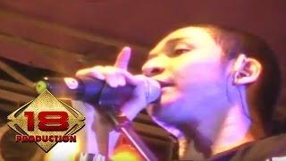 Ungu - Melayang (Live Konser Gorontalo 22 April 2007)