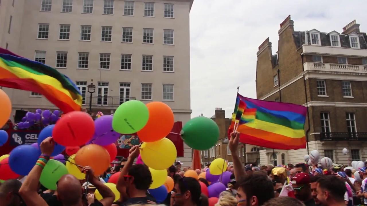 ομοφυλοφιλικές επιδείξεις χώρα ζωής dating ιστοσελίδα