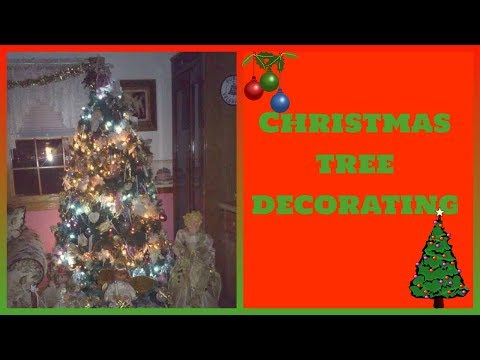 Christmas decorating 2017 #1 (Victorian christmas tree and special ornaments garland)