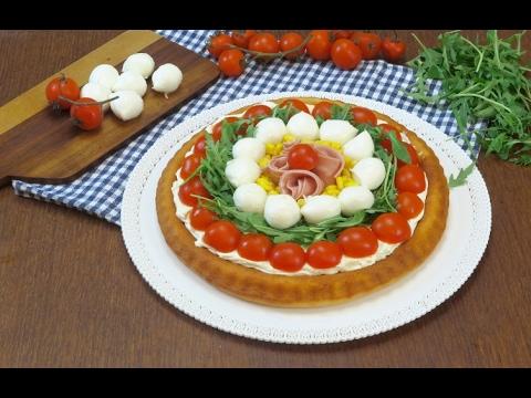 Decorazioni Torte Salate : Crostata salata a base morbida: lidea gustosa e colorata per l