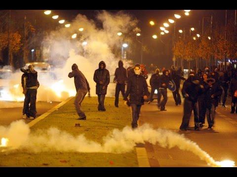 В Париже продолжаются массовые беспорядки в связи с убийством молодого человека полицией