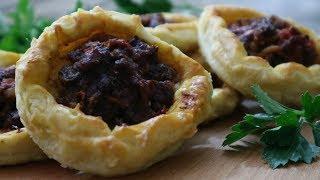 Открытые Пирожки из слоеного теста с мясом и томатом! | Pie with meat with tomato tasty recipe!