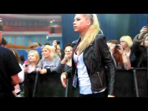 Anna Kournikova in Moscow at a concert by Enrique Iglesias
