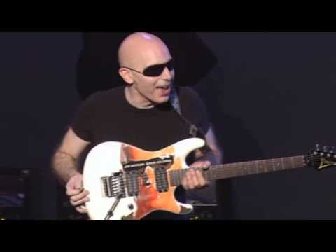 Joe Satriani -  Introducing His Ibanez JS Super Colossal Guitar (Live 2006 At The Grove Anaheim)