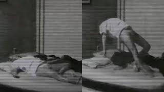 Ailesi Kızlarının Odasına Kamera Koydu, Her Sabah Neden Morluklarla Uyandığını Öğrenmek İçin.