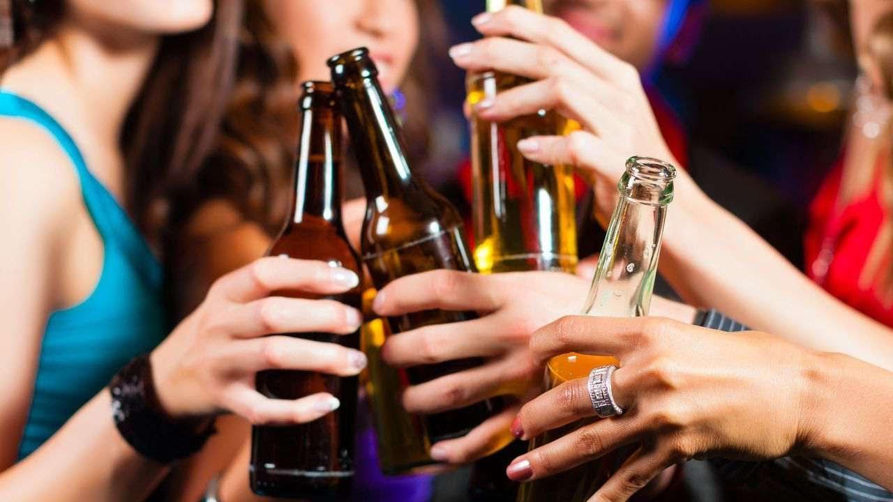Begini Cara Alkohol Merusak Tubuh Anda