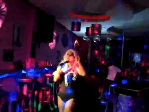 Bars Bali Fenita Diva And Drag Queen Performances In Bottoms Up Seminyak